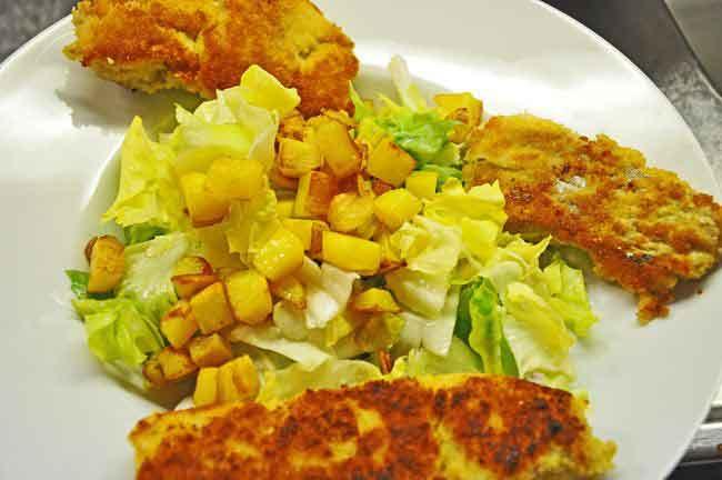 fischstaebchen-mit-endivien-kartoffelsalat Fischstäbchen mit Endivien - Kartoffelsalat Hauptspeisen
