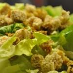 Blattsalat mit Croutons kochschläger