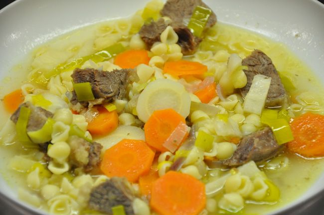 Nudel – Rindfleischsuppe
