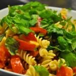 Nudelsalat mit frischen Tomaten - kochschläger