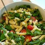Nudelsalat mit Spinat kochschläger