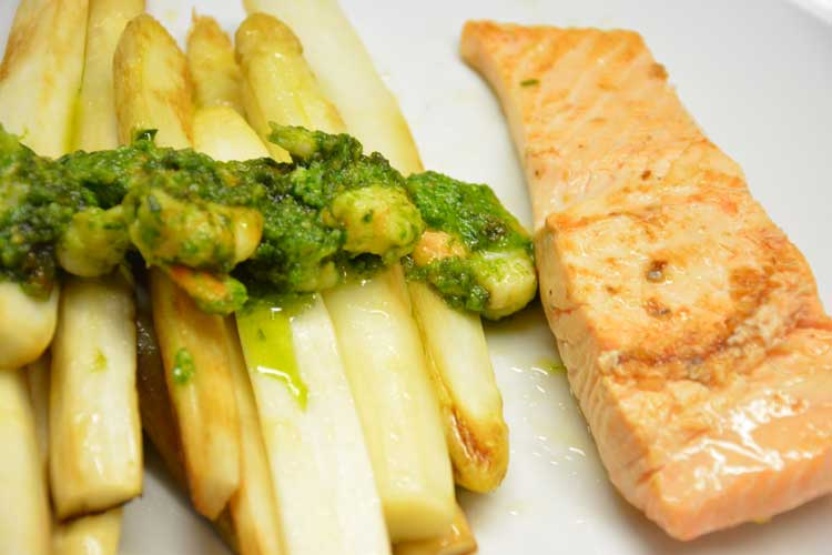 Spargel Lachs Shrimps Pesto